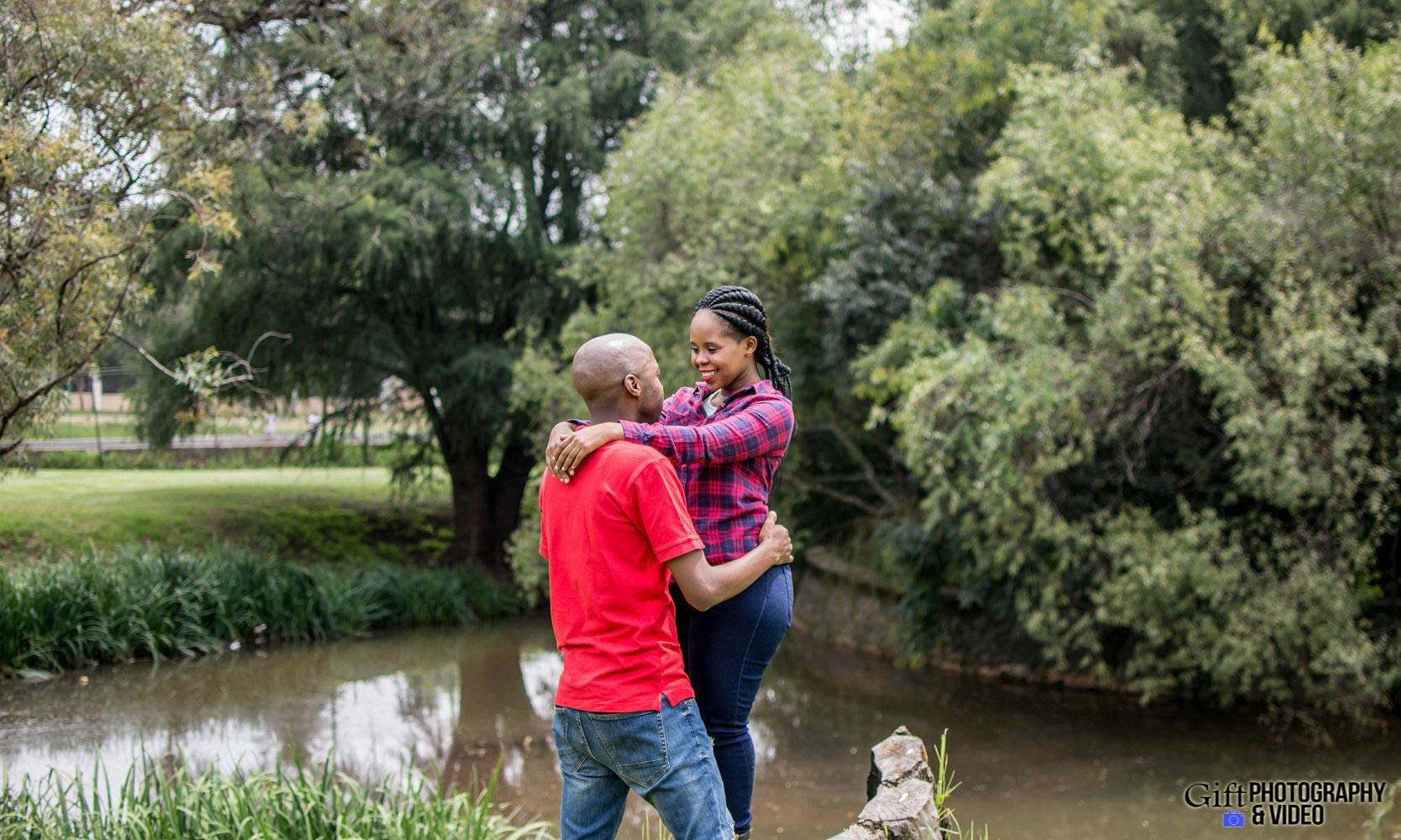 Naledi & Bongani Engagement Shoot Zoo Lake-4