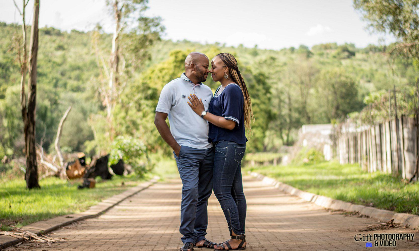 Siphiwe & Kholofelo Engagement Shoot Little falls-1