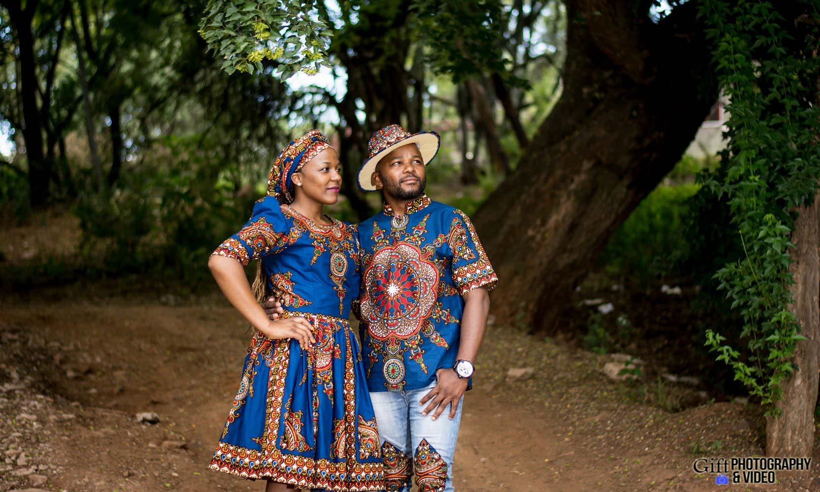 Siphiwe & Kholofelo Engagement Shoot Little falls-10