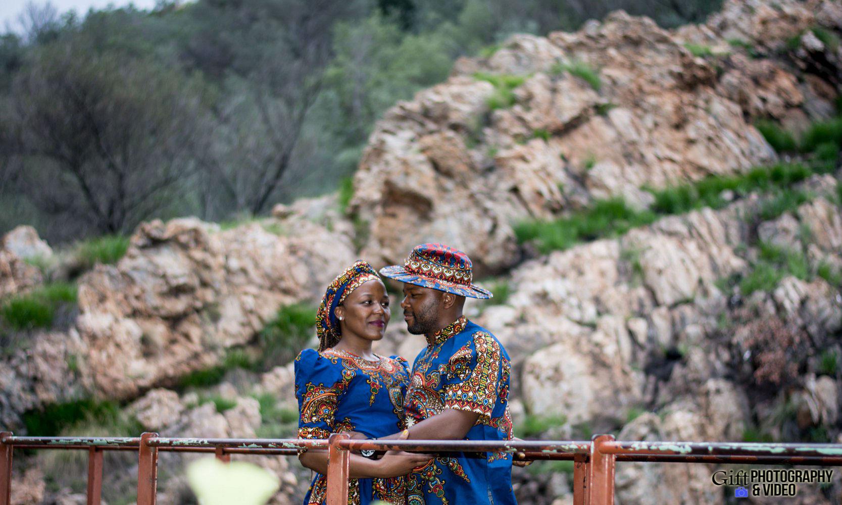 Siphiwe & Kholofelo Engagement Shoot Little falls-16