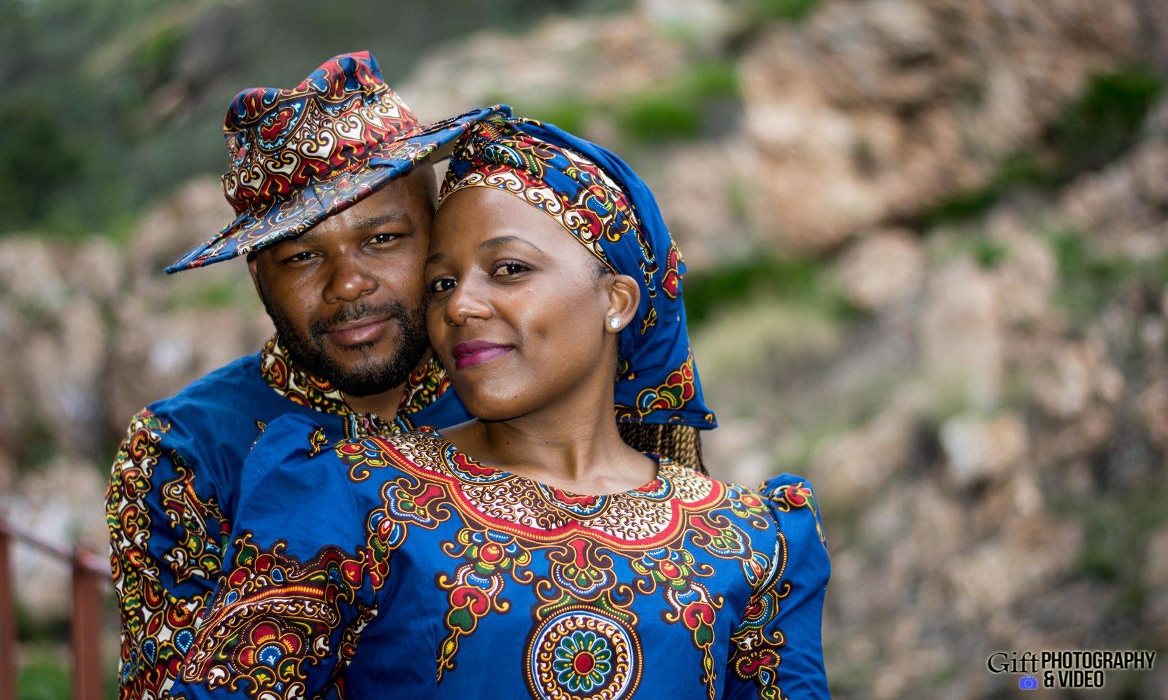 Siphiwe & Kholofelo Engagement Shoot Little falls-17