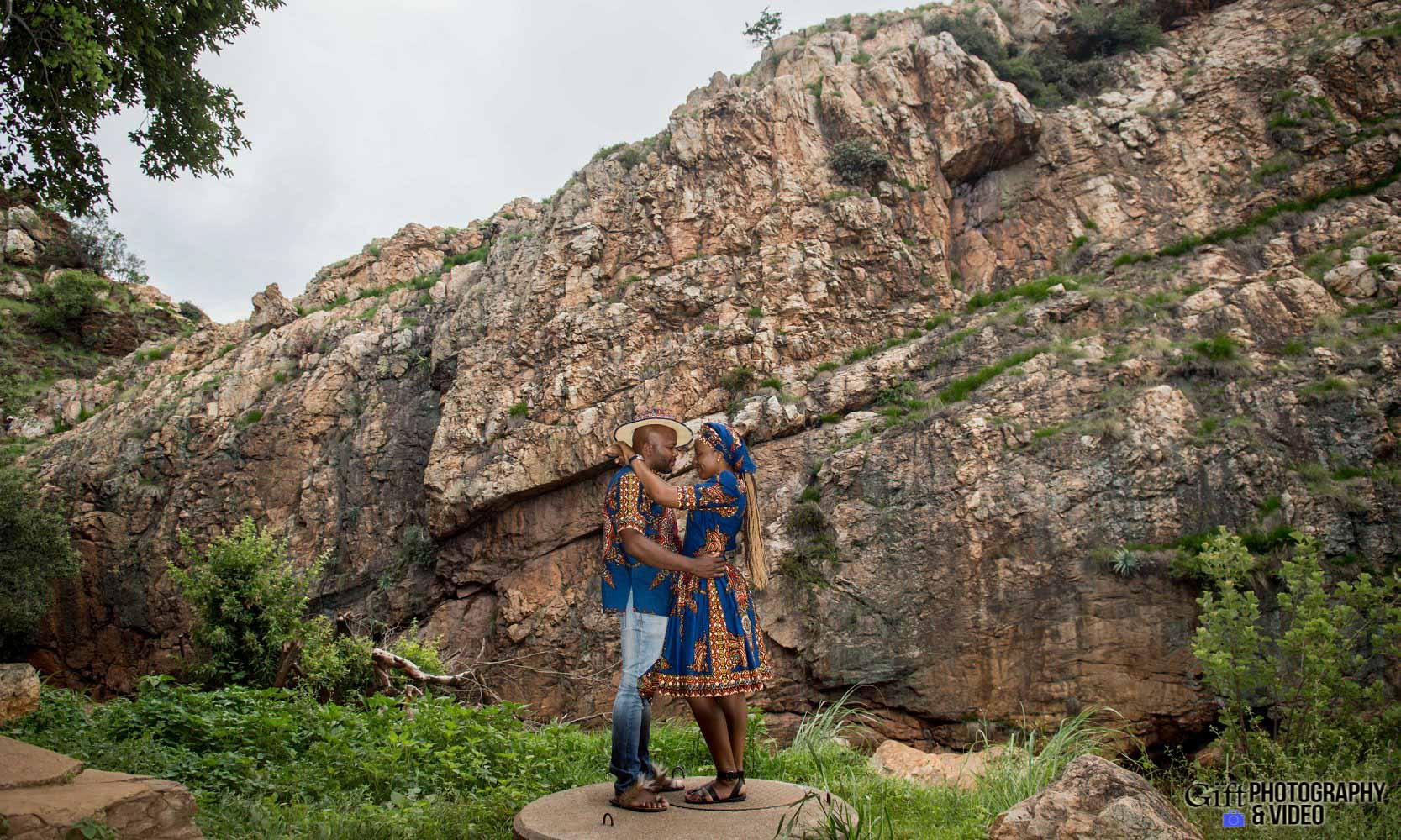 Siphiwe & Kholofelo Engagement Shoot Little falls-19
