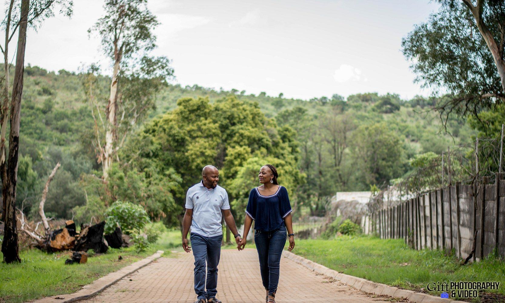 Siphiwe & Kholofelo Engagement Shoot Little falls-2