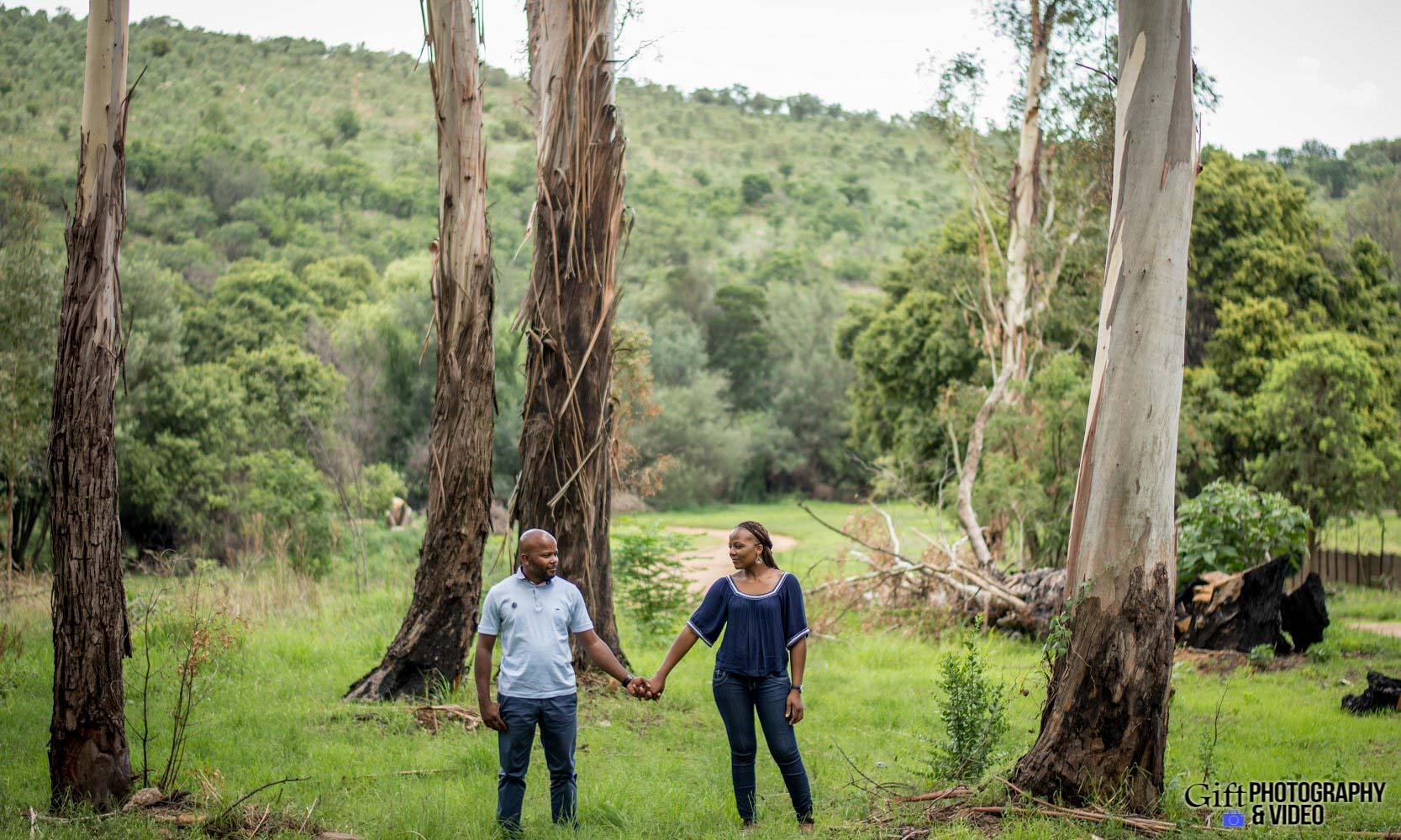 Siphiwe & Kholofelo Engagement Shoot Little falls-3
