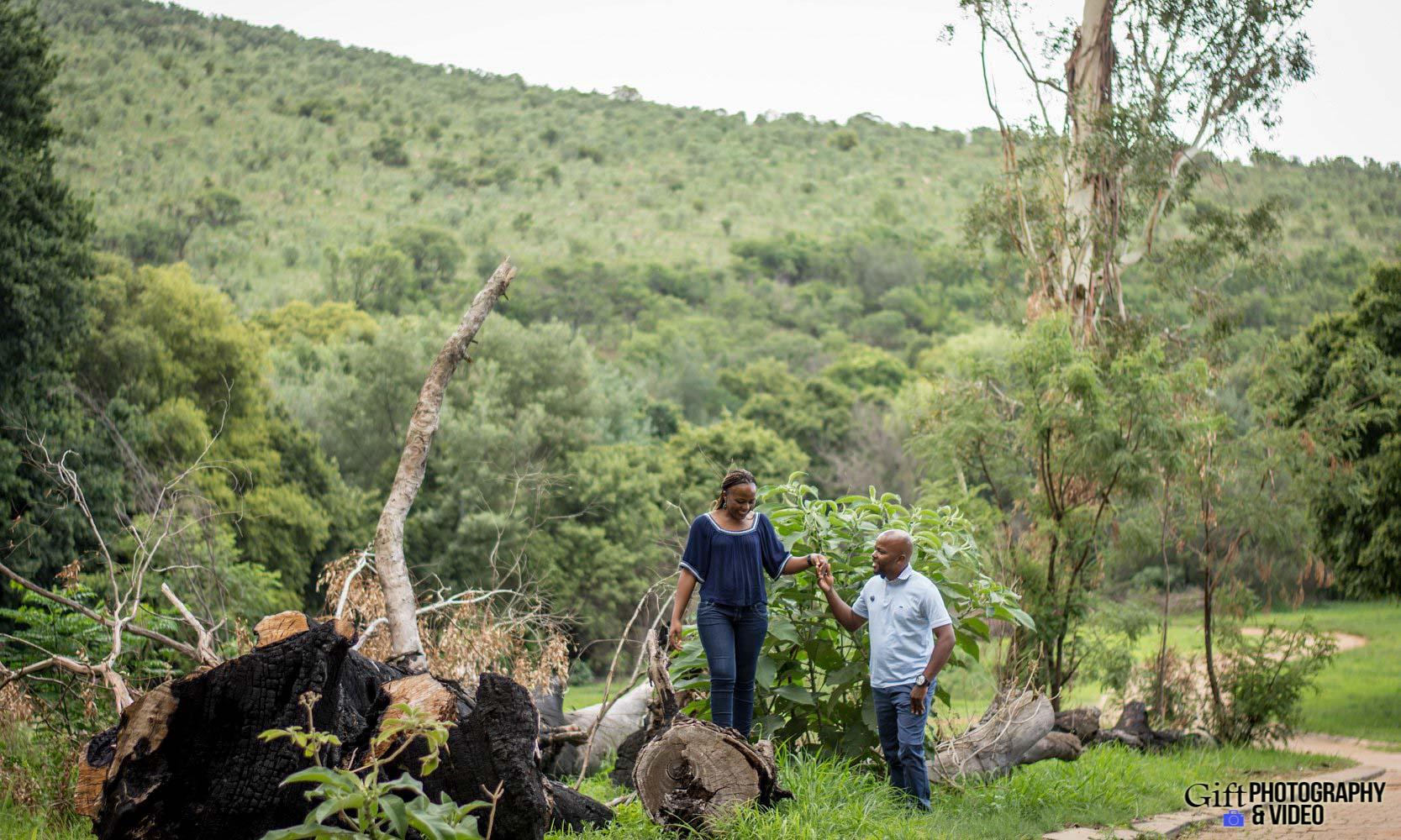 Siphiwe & Kholofelo Engagement Shoot Little falls-5