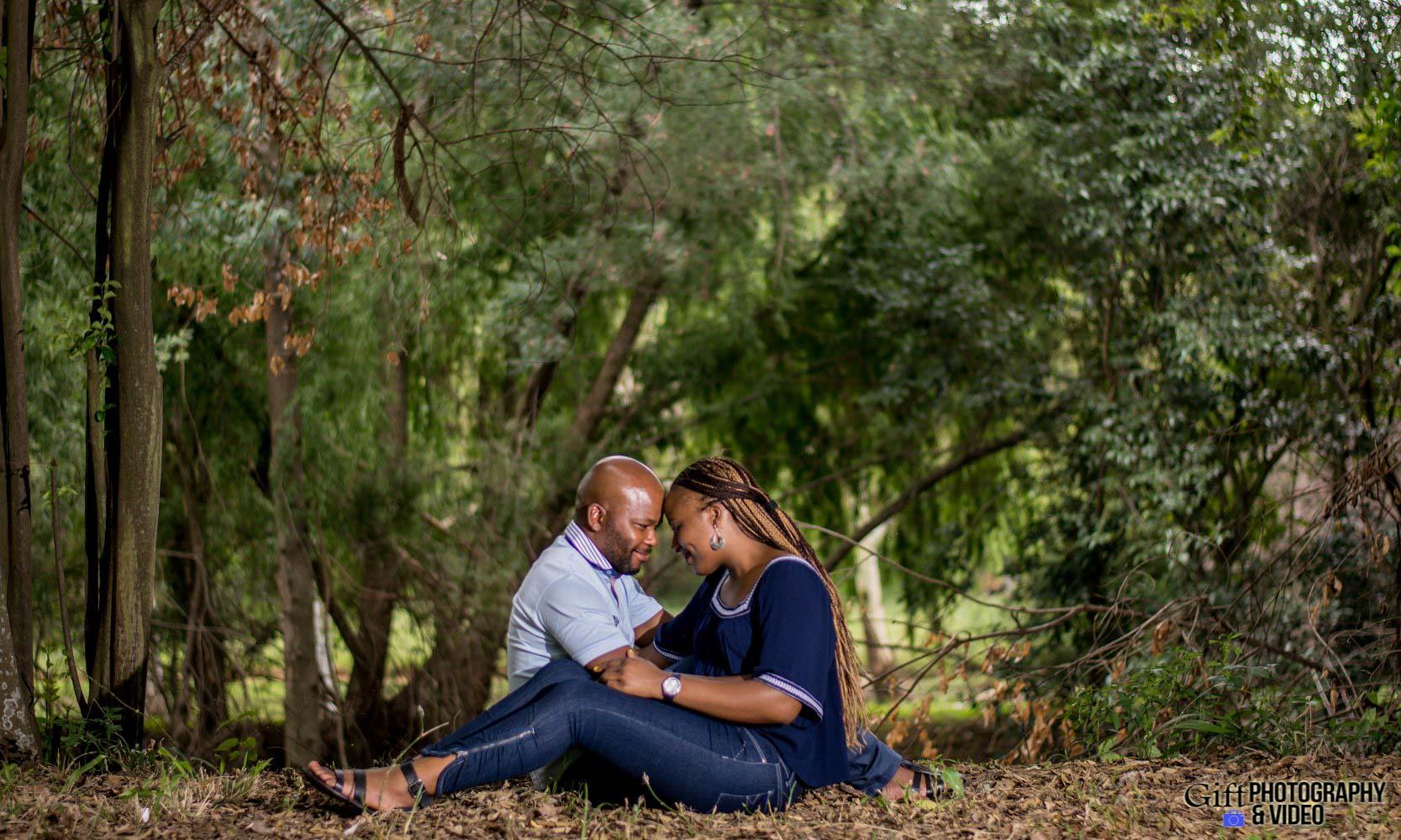 Siphiwe & Kholofelo Engagement Shoot Little falls-7