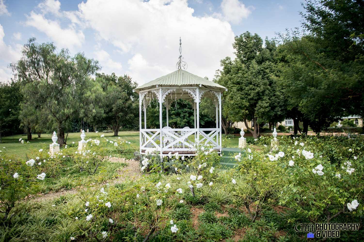 Siphiwe & Kholofelo Victorian Manor-1