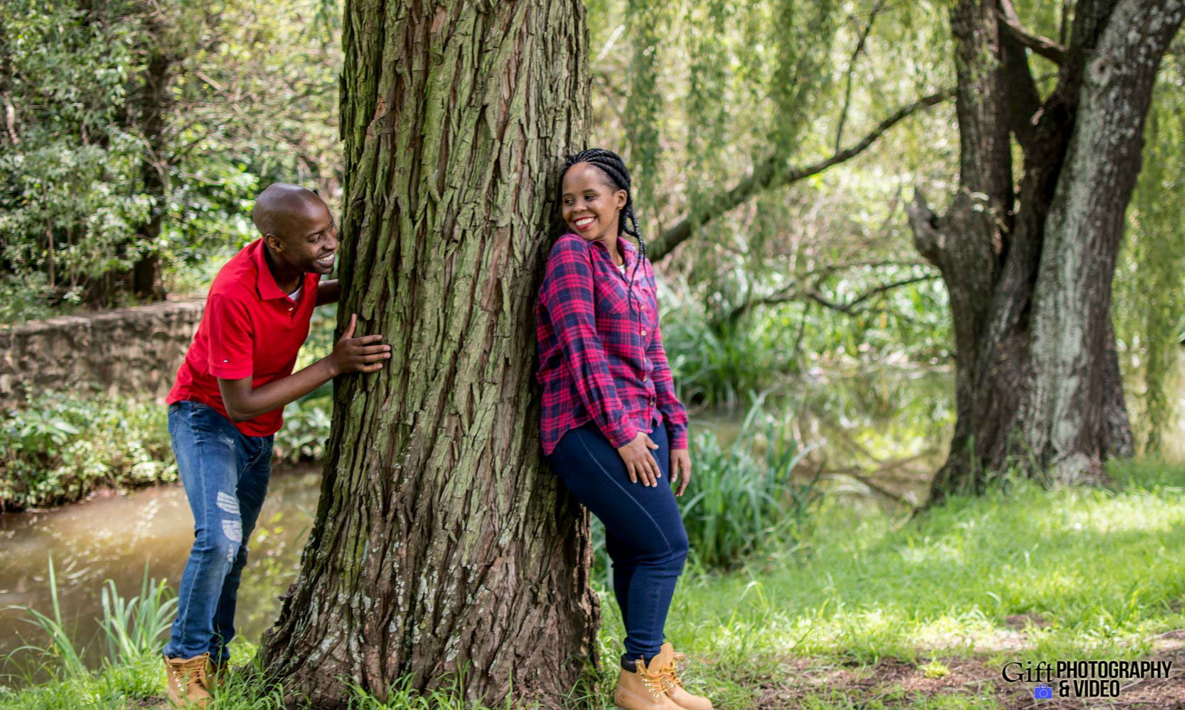 Naledi & Bongani Engagement Shoot Zoo Lake-10