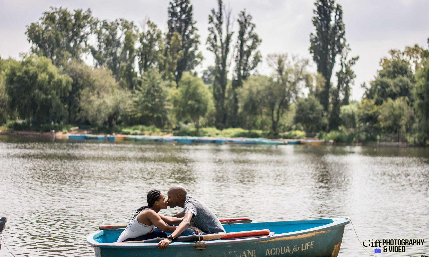 Naledi & Bongani Engagement Shoot Zoo Lake-14