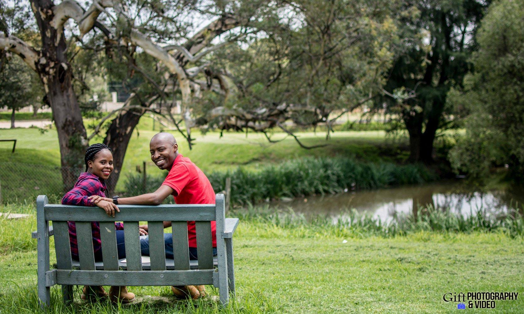 Naledi & Bongani Engagement Shoot Zoo Lake-3