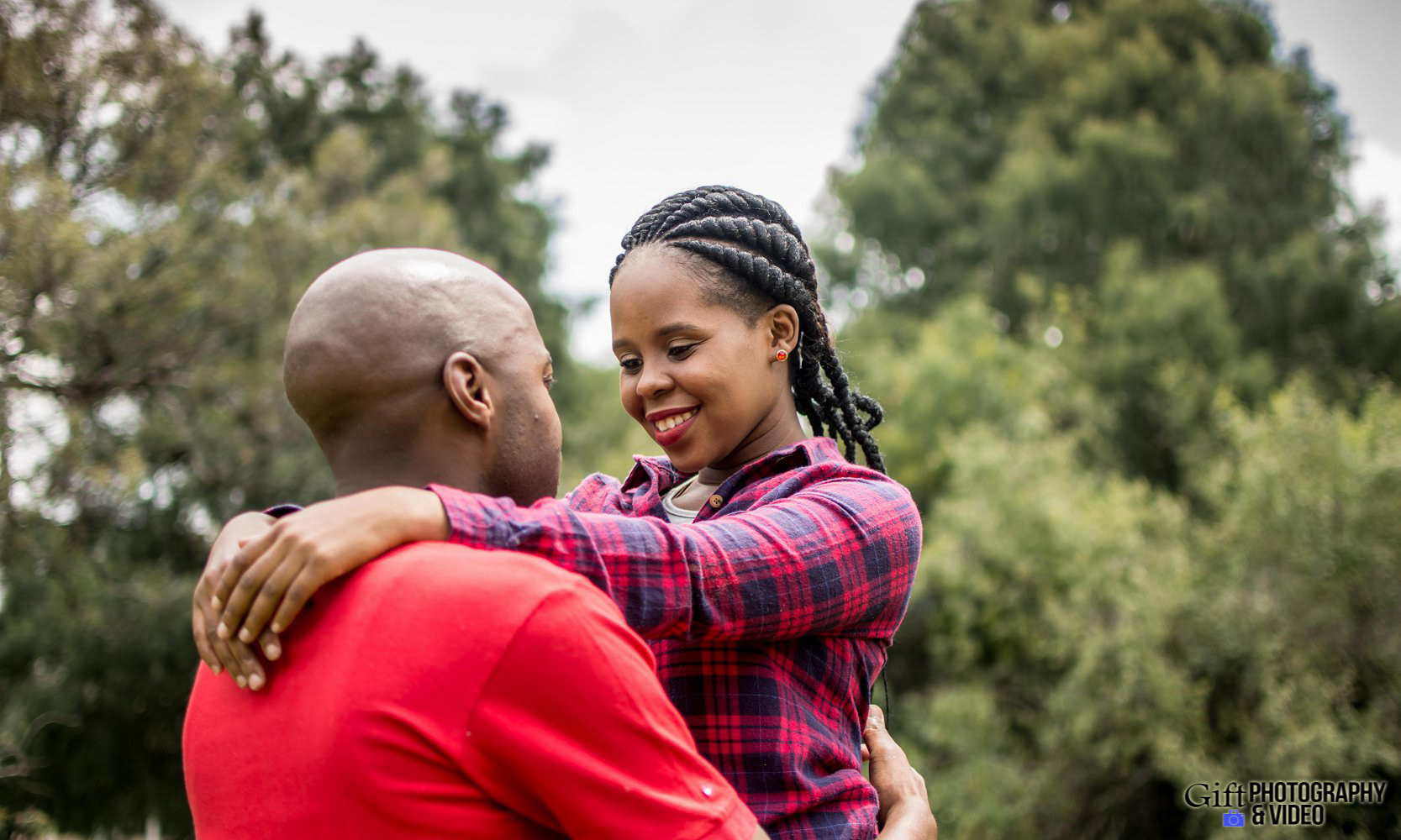 Naledi & Bongani Engagement Shoot Zoo Lake-5