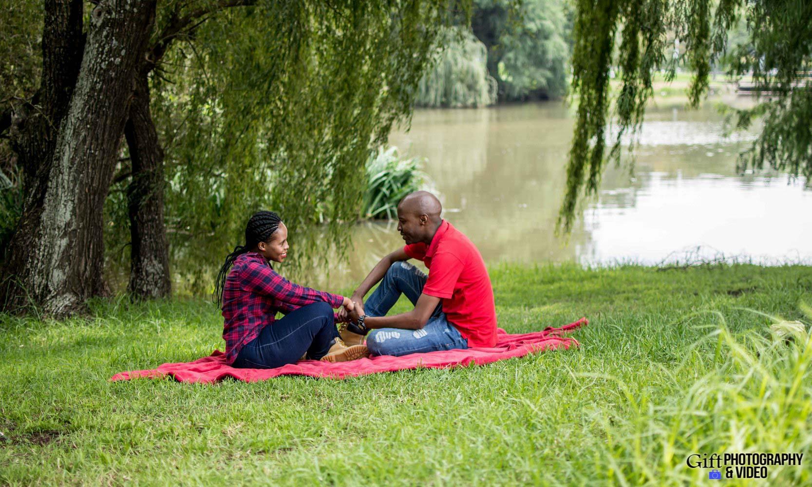 Naledi & Bongani Engagement Shoot Zoo Lake-6