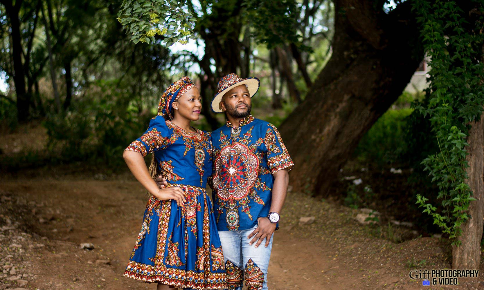 Siphiwe & Kholofelo Engagement Shoot Little falls-10