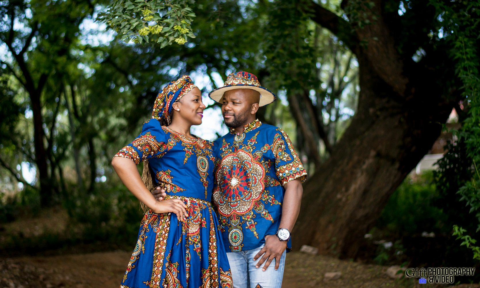 Siphiwe & Kholofelo Engagement Shoot Little falls-9